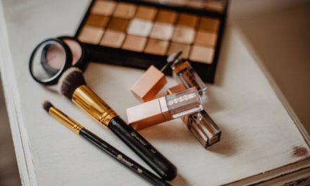 Jaki makijaż na daną okazję? Jak zrobić makijaż w domu?
