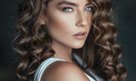 Jak mieć piękne długie i ślniące włosy? Jak dbać o włosy?