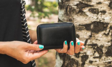 Jaki ładny i modny portfel warto wybrać i kupić?