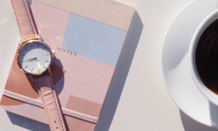 Jaki modny zegarek damski dla kobiety kupić?